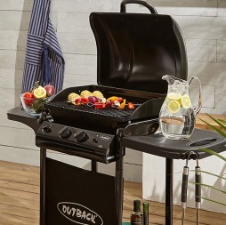 BBQ Malta - Outback Omega 200 with lava stones